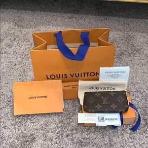 BNIB🎉 Louis Vuitton Monogram Key Pouch Cles